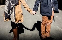 holding-hands-1031665_640 (1).jpg